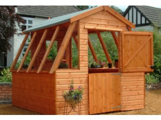 A 10'x8' Suntrap in standard dipped timber finish